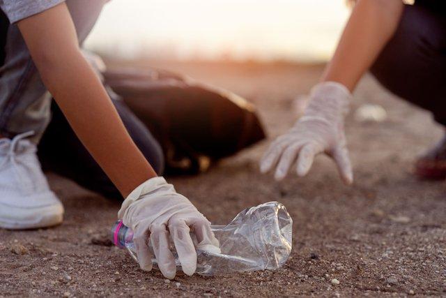 日本は本当に意識が低い?プラスチックの環境対策、世界と日本の対応とは (TABIZINE)